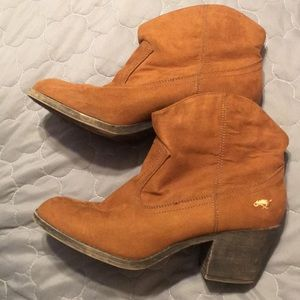 ROCKET DOG BOOTIES SIZE 11 used